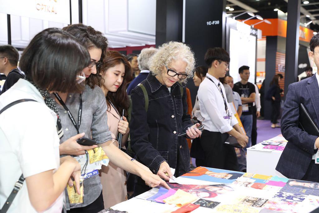 выставка оптики в Гонконге